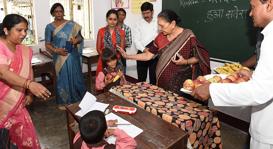 The Governor inspected the school present in Raj Bhavan premises.