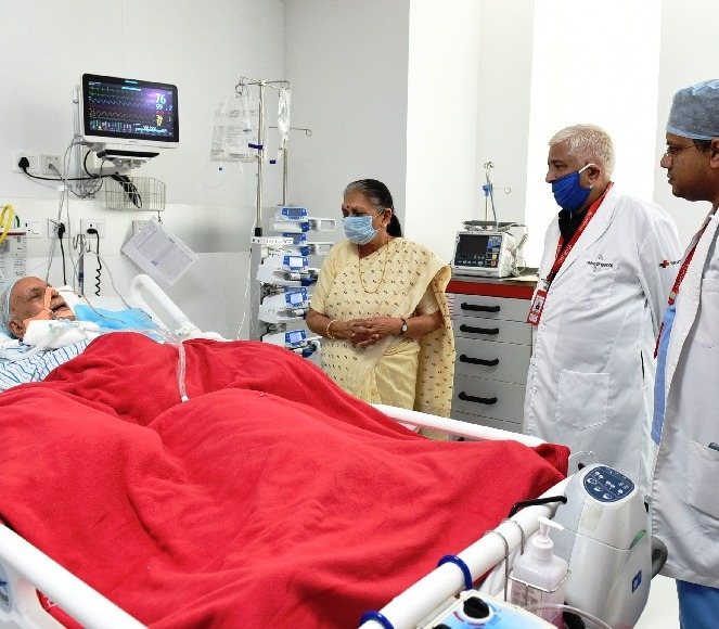 The Governor enquired about the health of Shri Lalji Tandon.